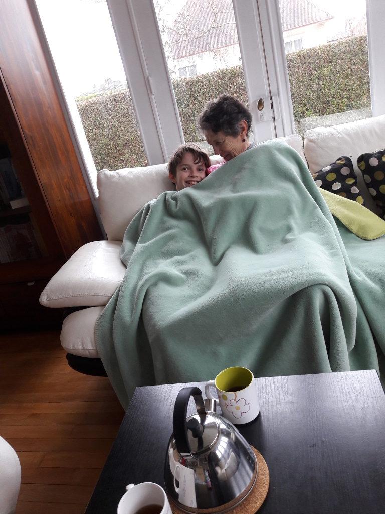 Sous la couette avec mamie